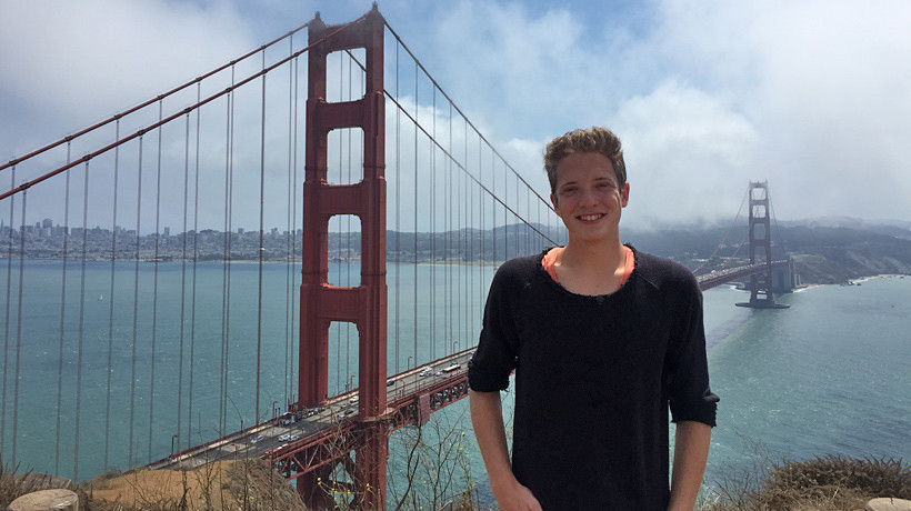 Philipp vor der Golden Gate Bridge